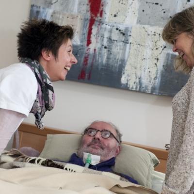 Hospitalisation à domicile : alternative à l'hospitalisation